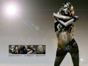 Fergie__Black_Eyed_Peas__21200521843PM416.jpg