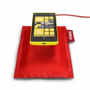 Lumia 920 mit Ladekissen.jpg